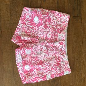 Lilly Pulitzer Short size 2